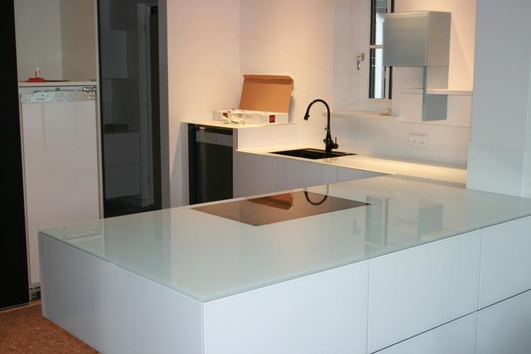 Glas-Küchenarbeitsplatte / Glas(t)raum